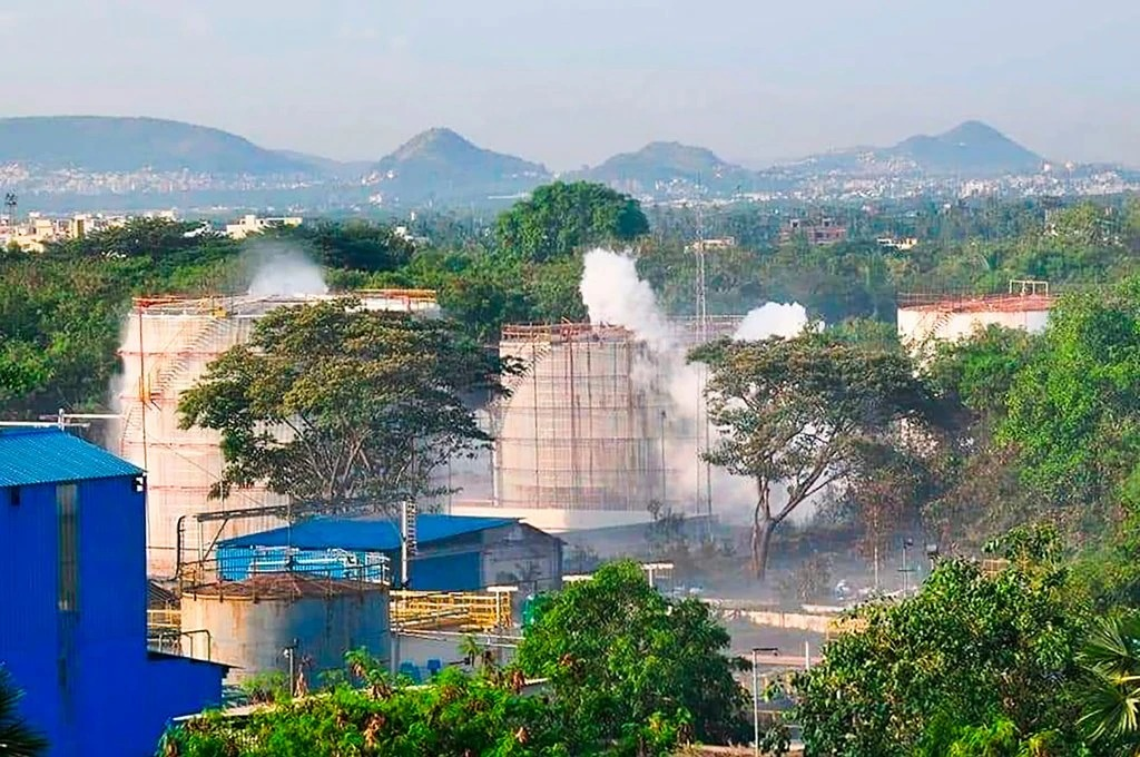 Lethal gas leak at LG Plant in India, kills atleast 11 and sickens hundreds.